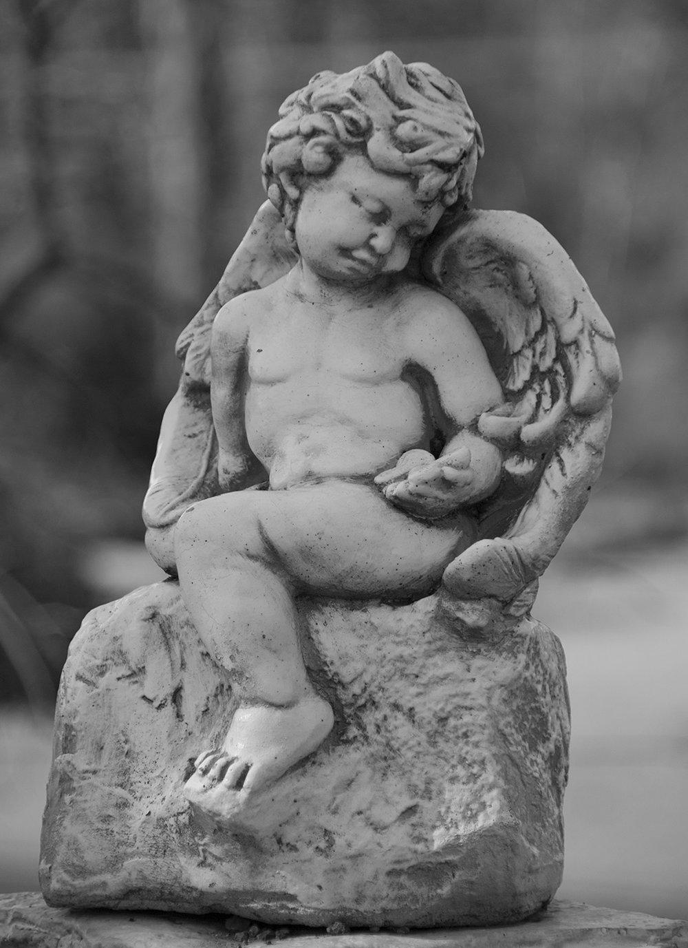 Jamestown Cemetery Cherub.jpg