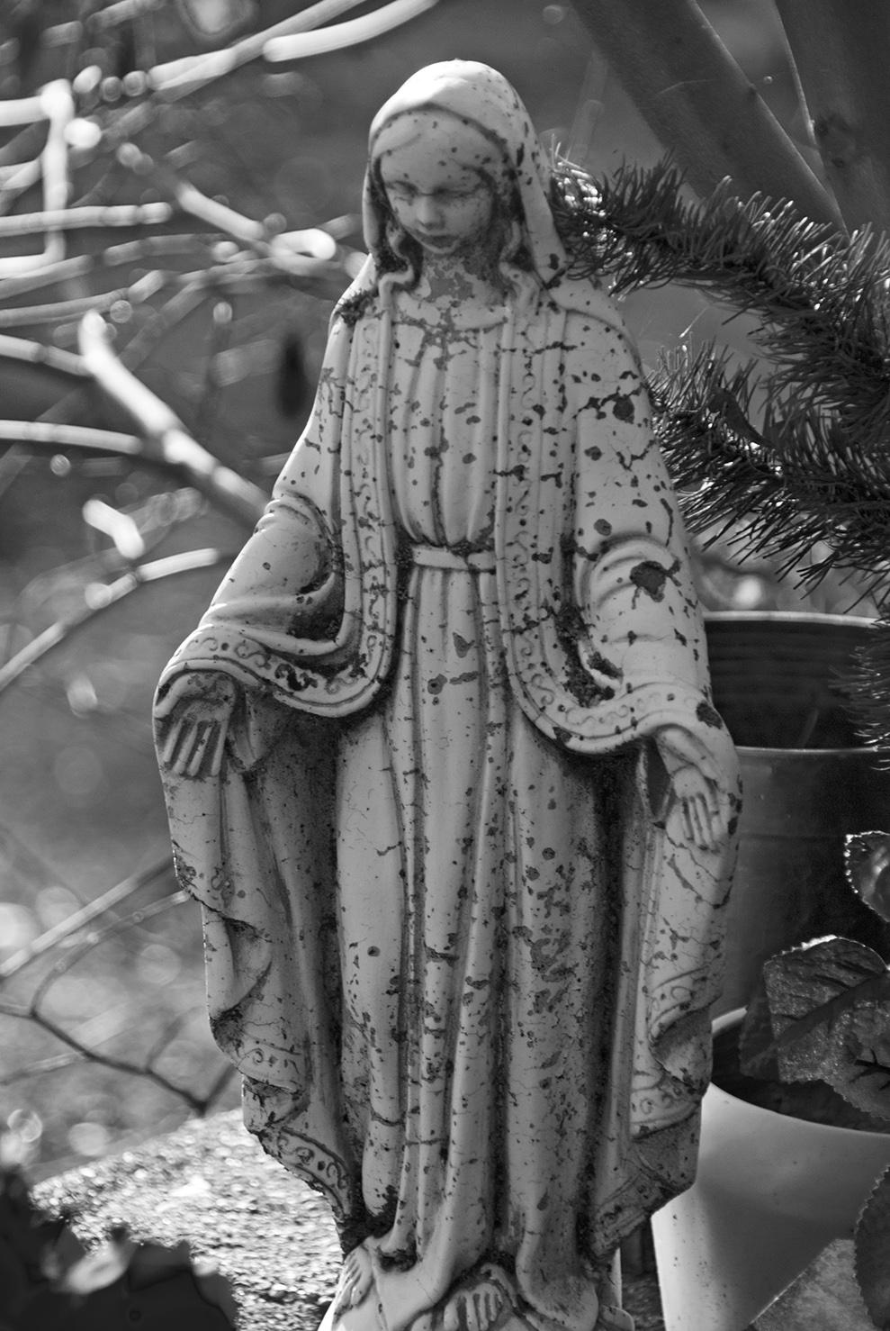 Mariposa St. Josephs Catholic Cemetery Lady.jpg