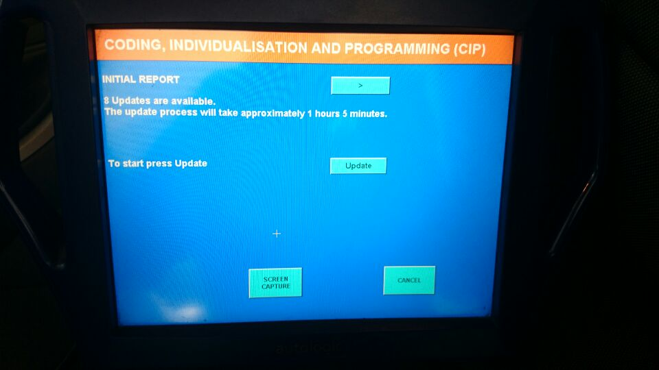 Controle van de software versies leert ons dat voor 8 regelmodules een nieuwere software versie beschikbaar is