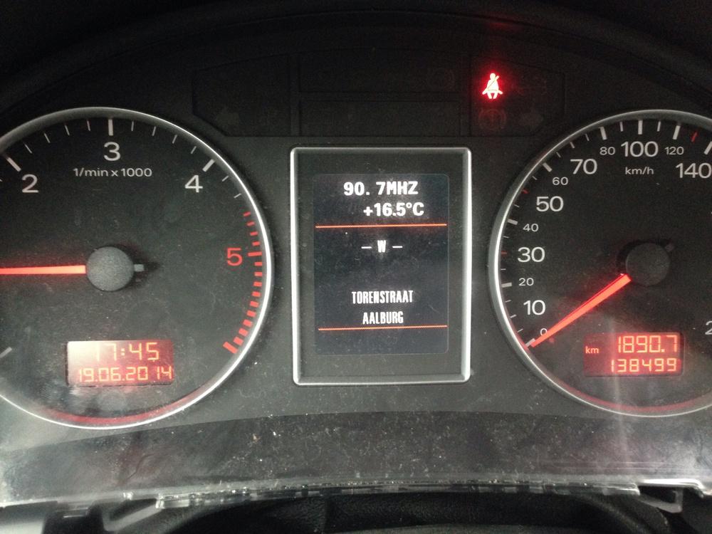 De Audi A4 is weer storingsvrij, geen brandende controle lampjes meer in het combi-instrument en een goed werkende startblokkering