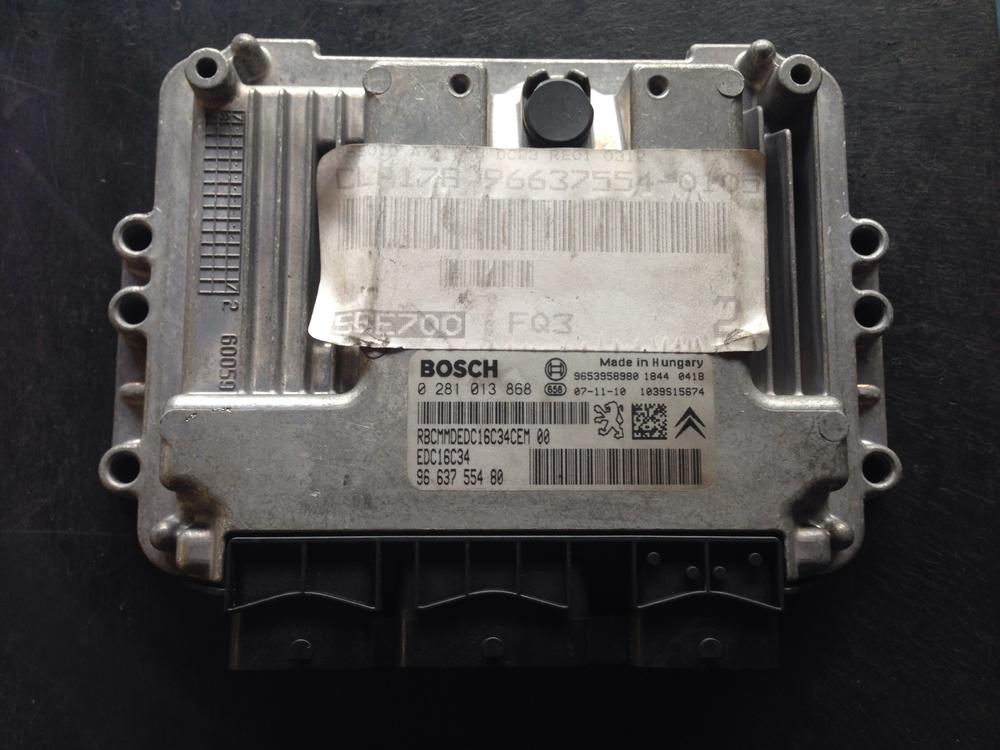 De motormanagement computer van het type Bosch EDC16C34