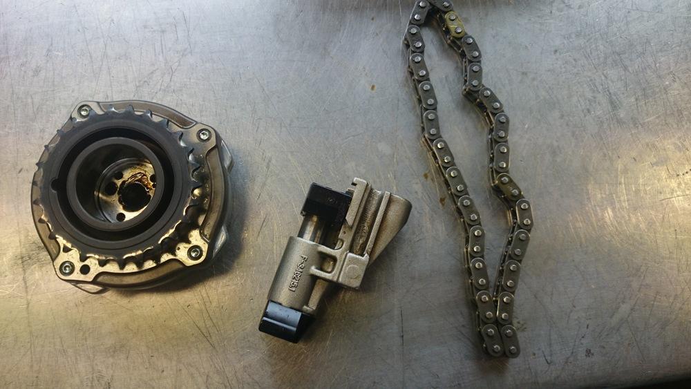 Nokkenasverstelling, kettingspanner en ketting van de Hyundai Tucson