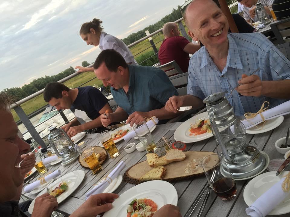 Vrijdagavond werd er gegeten bij Brasserie Boven de Rivieren. Geweldige keuken voor de fijnproever.