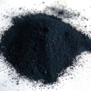Before use, lump indigo must be ground into a fine powder.