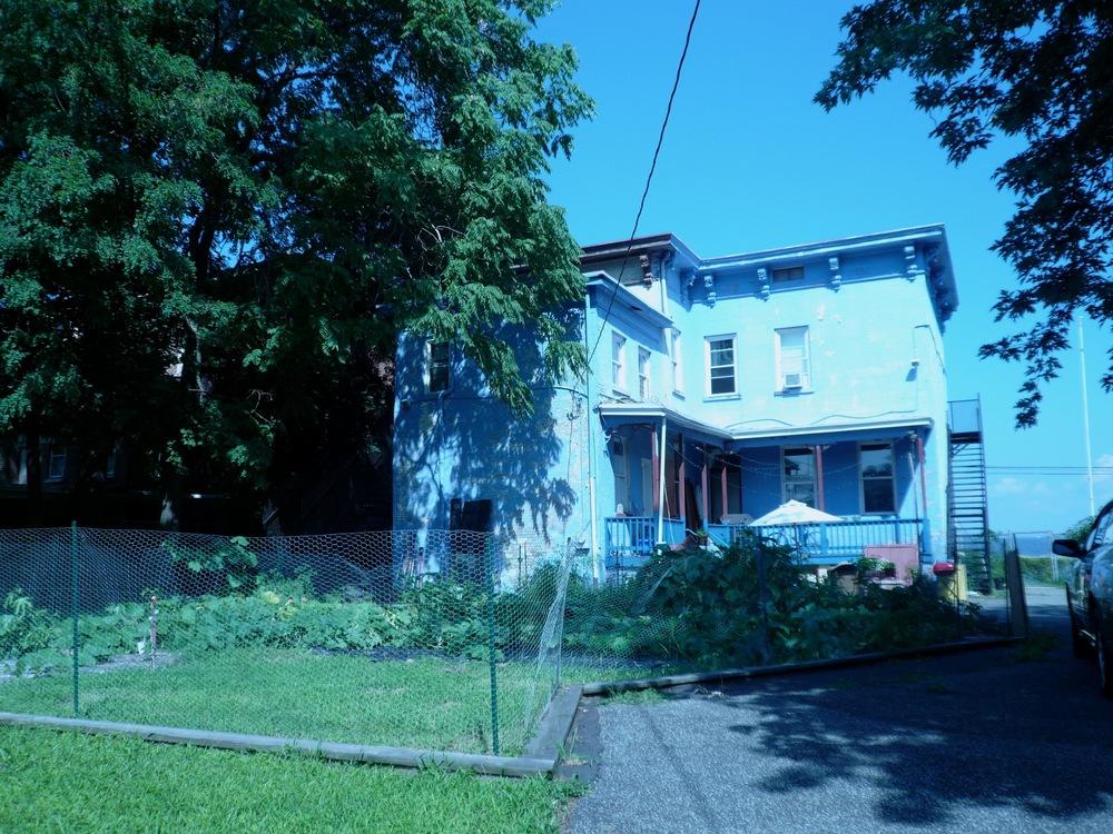 CasaHudsonNY_2011_Garden.jpg