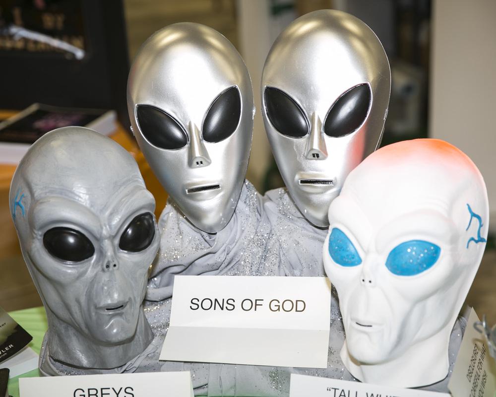 alien heads.JPG