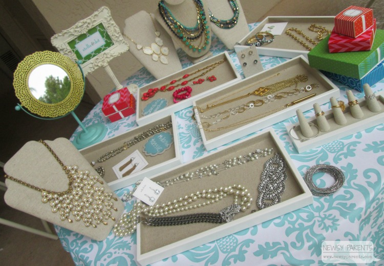 Newsy-Parents-Stella-Dot-how-to-host-Party-Trunk-Show-Jewelry