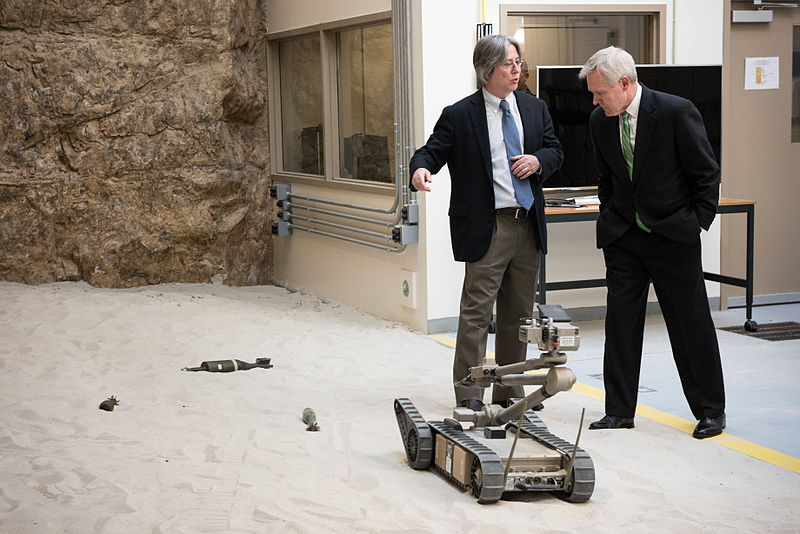 150220-N-LV331-001 - WASHINGTON (Feb. 20, 2015) Secretary of the Navy (SECNAV) Ray Mabus observes a bay replica of desert conditions used for testing technology innovations at the Naval Research Laboratory. During his visit, Mabus spoke with project experts and observed ongoing innovations to electronic warfare systems, anti-submarine warfare projects and autonomous systems. (U.S. Navy photo by Mass Communication Specialist 2nd Class Armando Gonzales/Released). Source   https://www.dvidshub.net/image/1782872. Armando Gonzales. WASHINGTON, DC, US. VIRIN150220-N-LV331-001 Search DVIDs