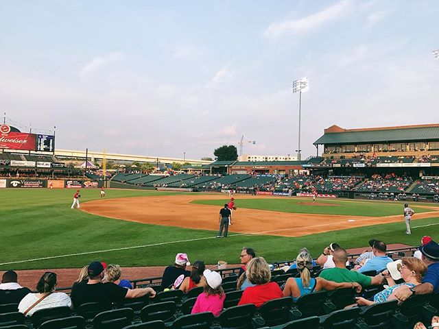 Take me out to the ballgame ⚾️☀️⚾️ . . . . #louisville #louisvillebats #summerdays #summernights #baseball #thatheattho