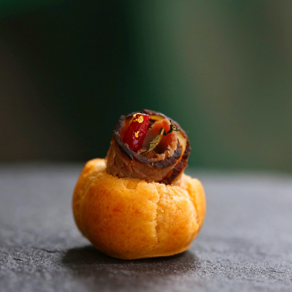 Mini Roast Beef Puff with Cranberry and Mint