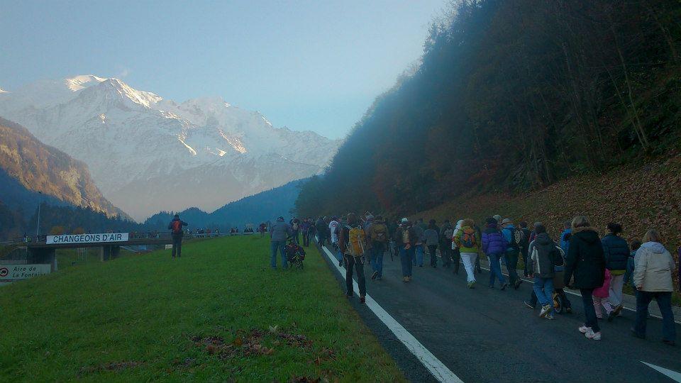 DZ marcheurs montagnes.jpg