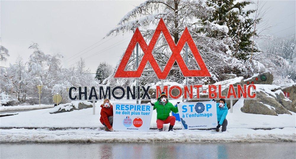 Chamonix - Agissons tous, sans exception.Les habitants font des efforts pour réduire leurs émissions, les élus agissent pour les transports en commun et la rénovation énergétique, il est grand temps que les transports de marchandises s'y mettent aussi.#TunnelMontBlanc #LigneFerroviaireExistante #StopPollution