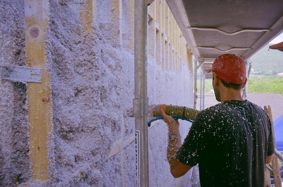 RÉSIDENTIEL - 11 - Étendre le Fonds Air Bois aux énergies renouvelables.12 -Interdire les foyers ouverts ou appareils de chauffage au bois non performants dans les constructions neuves et imposer la remise à niveau des installations de chauffage au bois lors de vente de biens.