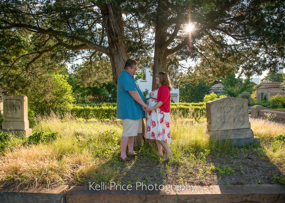 Atlanta Maternity Photo Session - Historic Oakland Cemetery, GA