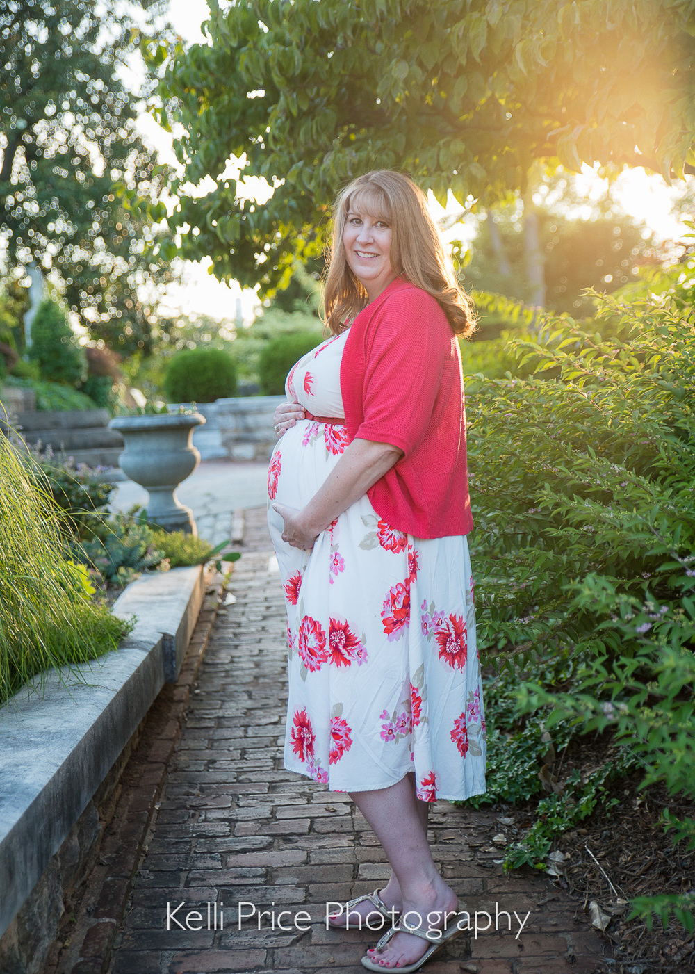 Glowing Mom-to-be - Atlanta Maternity Photo Session - Historic Oakland Cemetery, GA