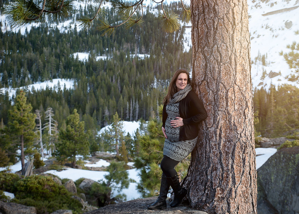 GoldbergMaternity4KelliPricePhotography_DonnerPass_Truckee_California.jpg