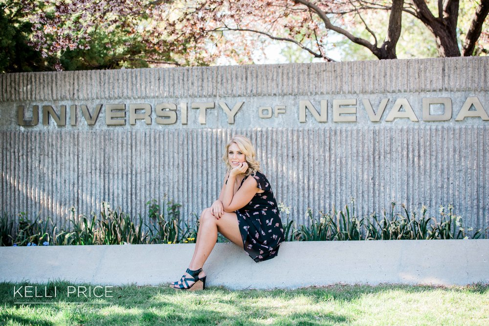 CollegeGraduationUNR21_KelliPricePhotography_RenoNevada_March2016.jpg