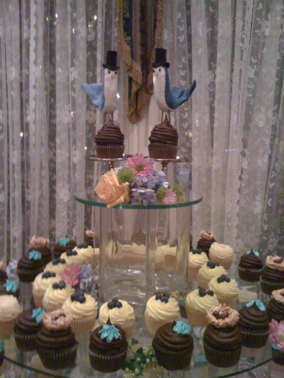 Custom toppers provided by our grooms