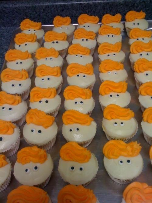 Conan O'Brien cupcakes for his Atlanta team
