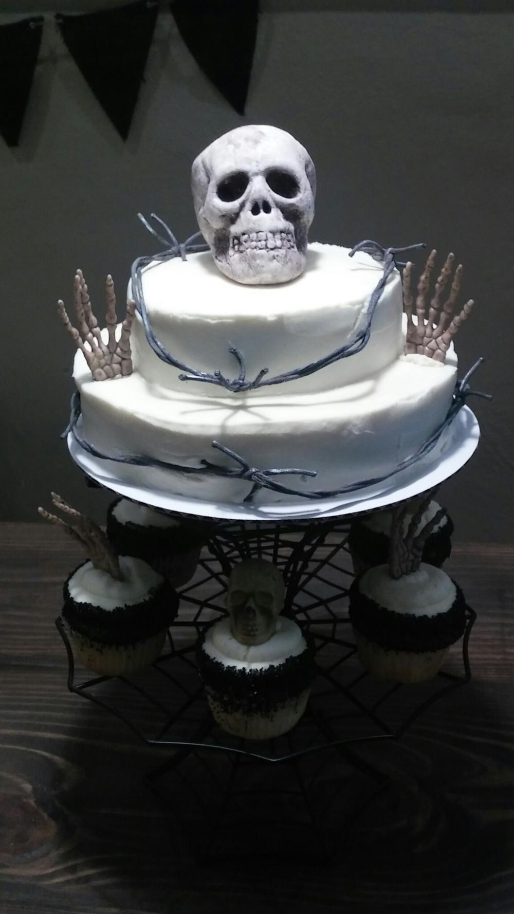 halloween skull cake.png