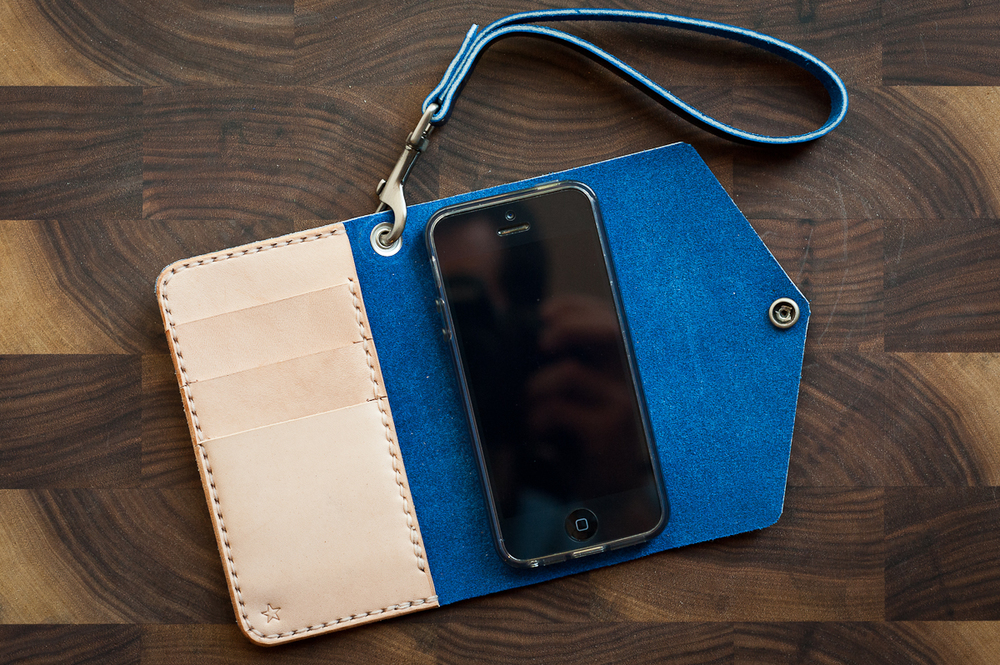 iPhone 5 ladies wristlet