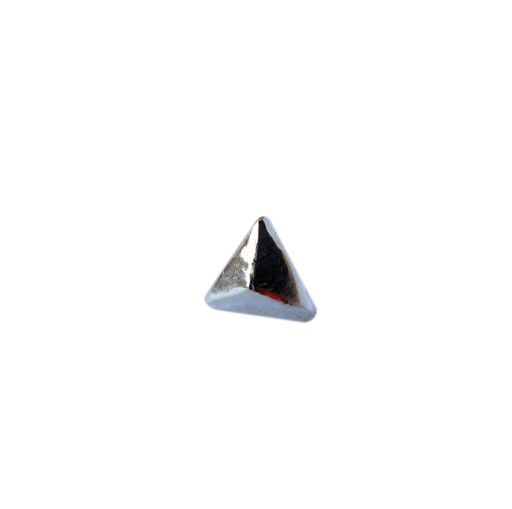 micromini_triangular_stud.jpg