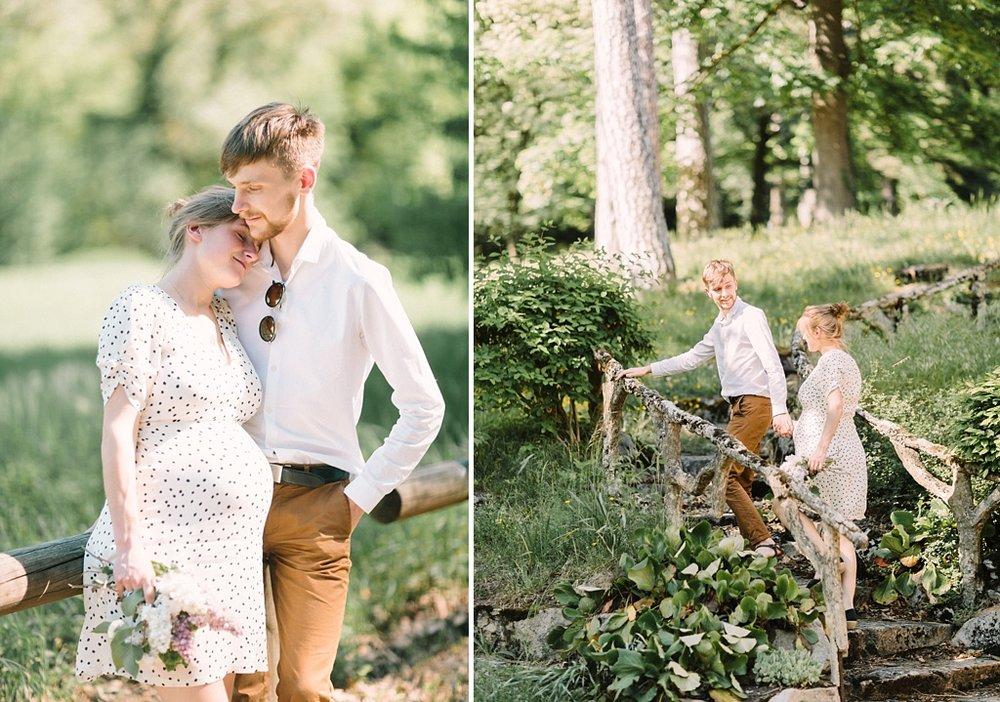 Une chemise impeccables, des habits simples et bien coupés, harmonieux... un accessoire (les lunettes) pour une touche personnelle... Et une palette de couleurs naturelles, aux tons ambrés (Blanc/Beige/Caramel/Marron/Noir.