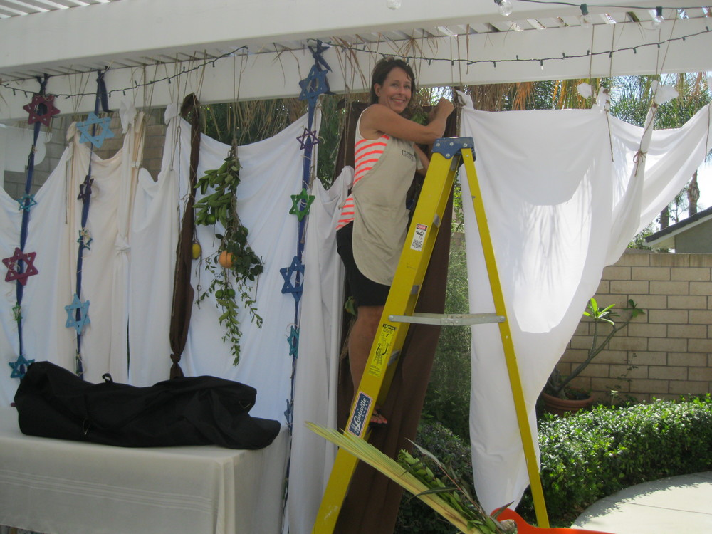 IMG_4265 Cindy hangs sheets.JPG