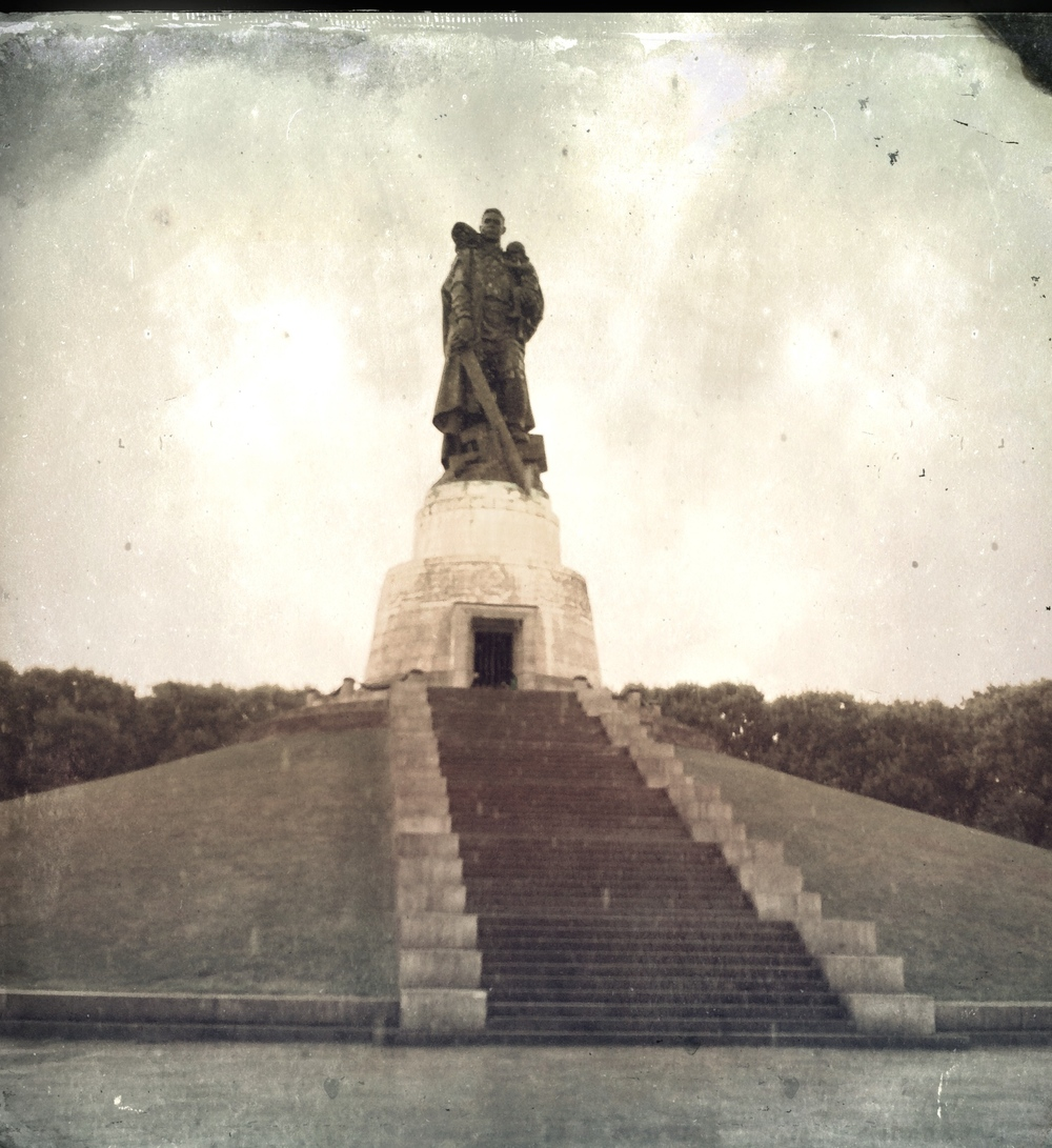Treptower Park Photograph, August, 2014 Copyright © Tennyson Woodbridge, 1963 to present. All appropriation rights reserved