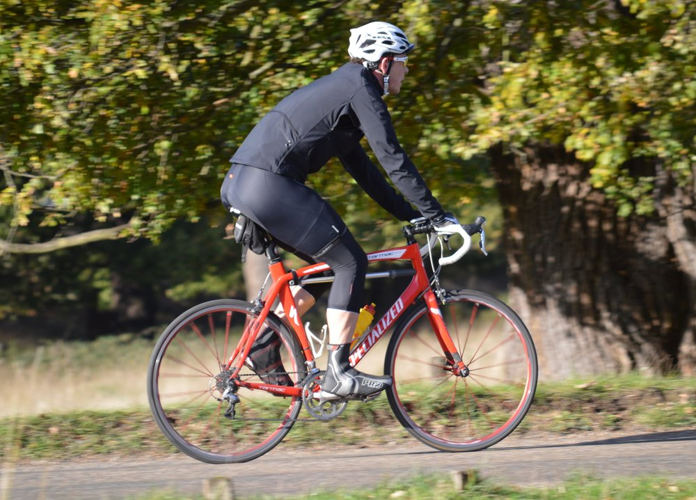 1/400      Here we can start to see blurring of the background although the cyclist is still pretty much frozen. There is blurring of the spokes though, as would be expected. although in itself this image isn't bad, it doesn't really demonstrate the panning effect particularly well.