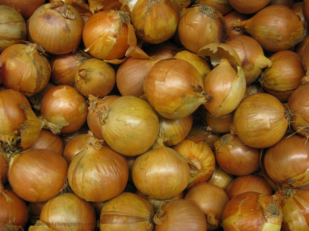 Many   Plenty of onions.