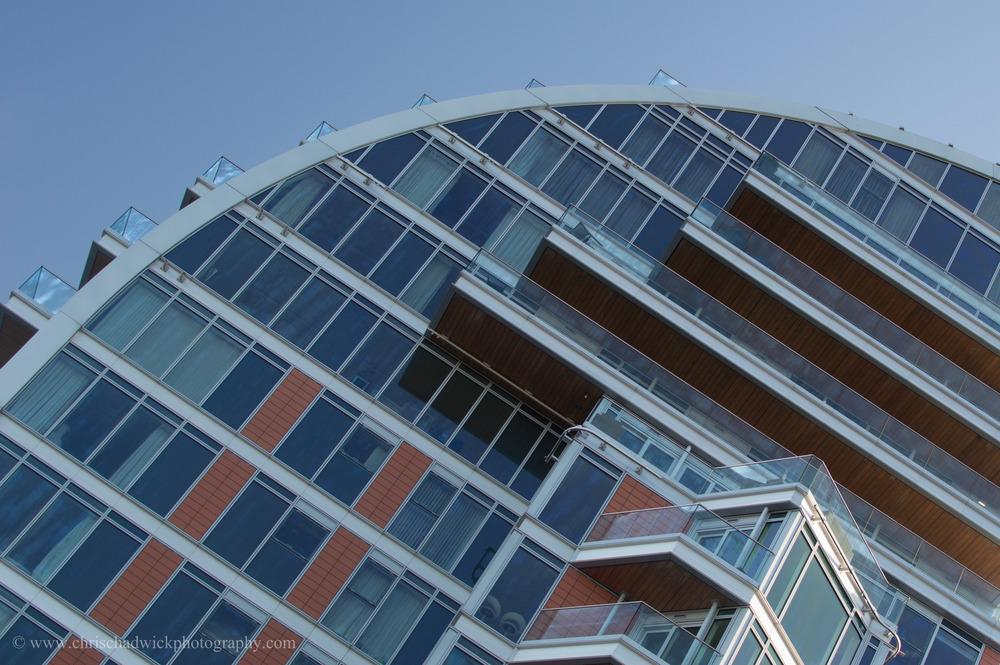 High   Battersea Reach apartments do indeed reach, high into the sky.