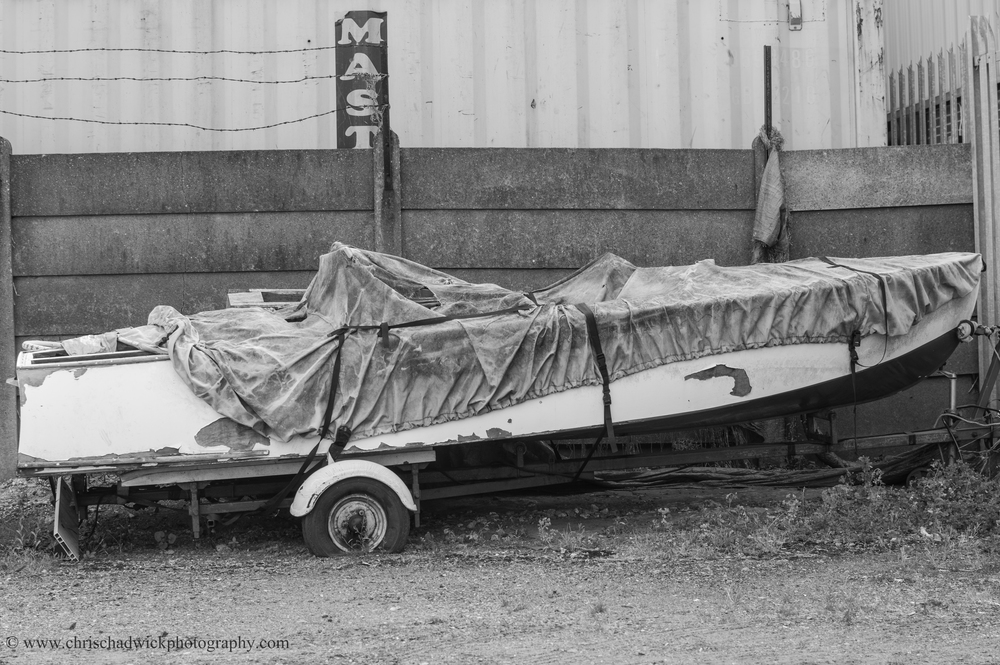 Abandoned_boat.jpg