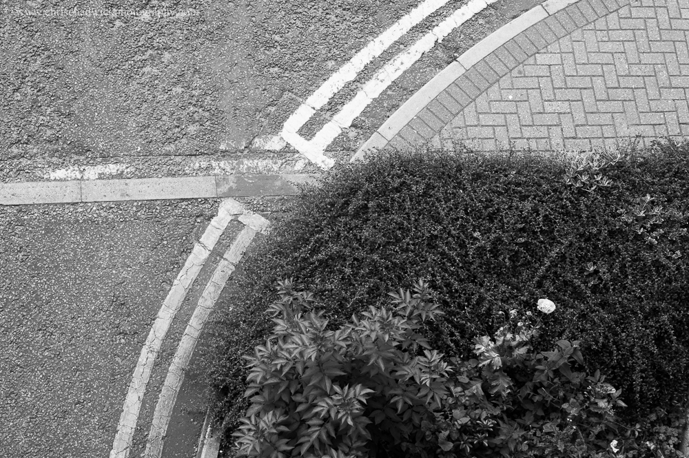 Curves I have added a second, slightly abstract image, to show curves, as there is certainly more of a feeling of movement in this image. Perhaps we are accustomed to the movement that roads allow for and we make the connection.