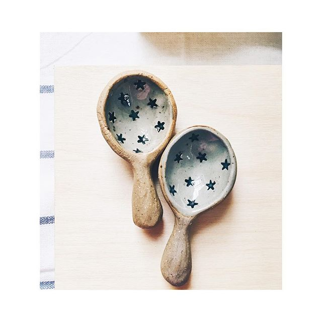 Listed a few of these sweet spoons in the shop: stars, polka dots, polka-dotted handles! ⭐️🔵✨ If you have one of my spoons, what do you use it for? I'm keeping a list for fun. (One of my favorites, from one of the younger customers -- fairy tea parties.) Or if you don't have one yet, what could you use one for? 🥄✨👍