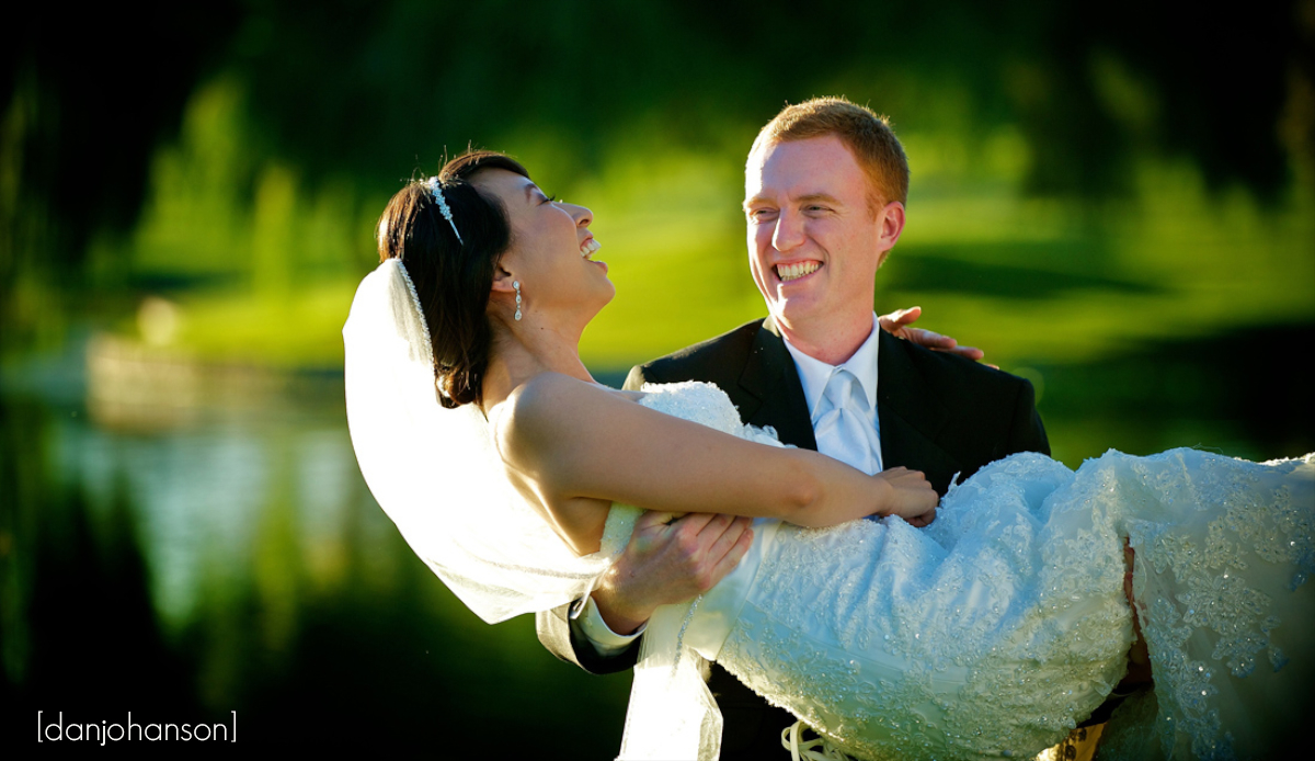 blackhawk country club wedding venue for the bride and groom portrait photography