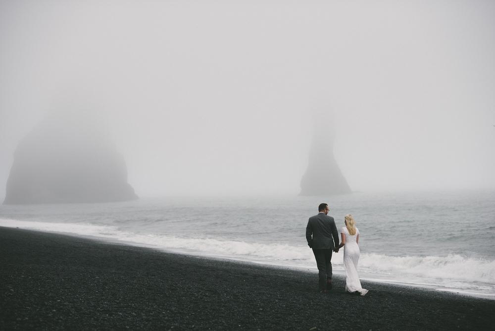 wedding photography iceland Reynisfjara black sand