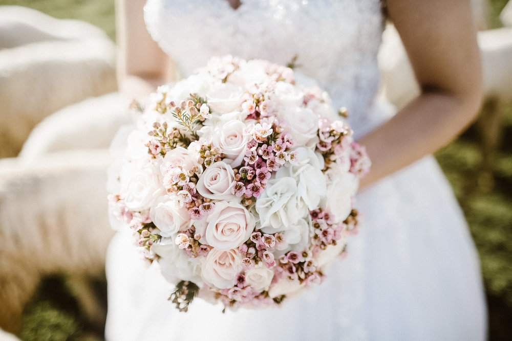 Wedding Beauty Services - Providing you and your bridal party fashion forward to timeless hairstyling and natural beauty makeup services.  Serving Orange County and Los Angeles.Learn more ➝