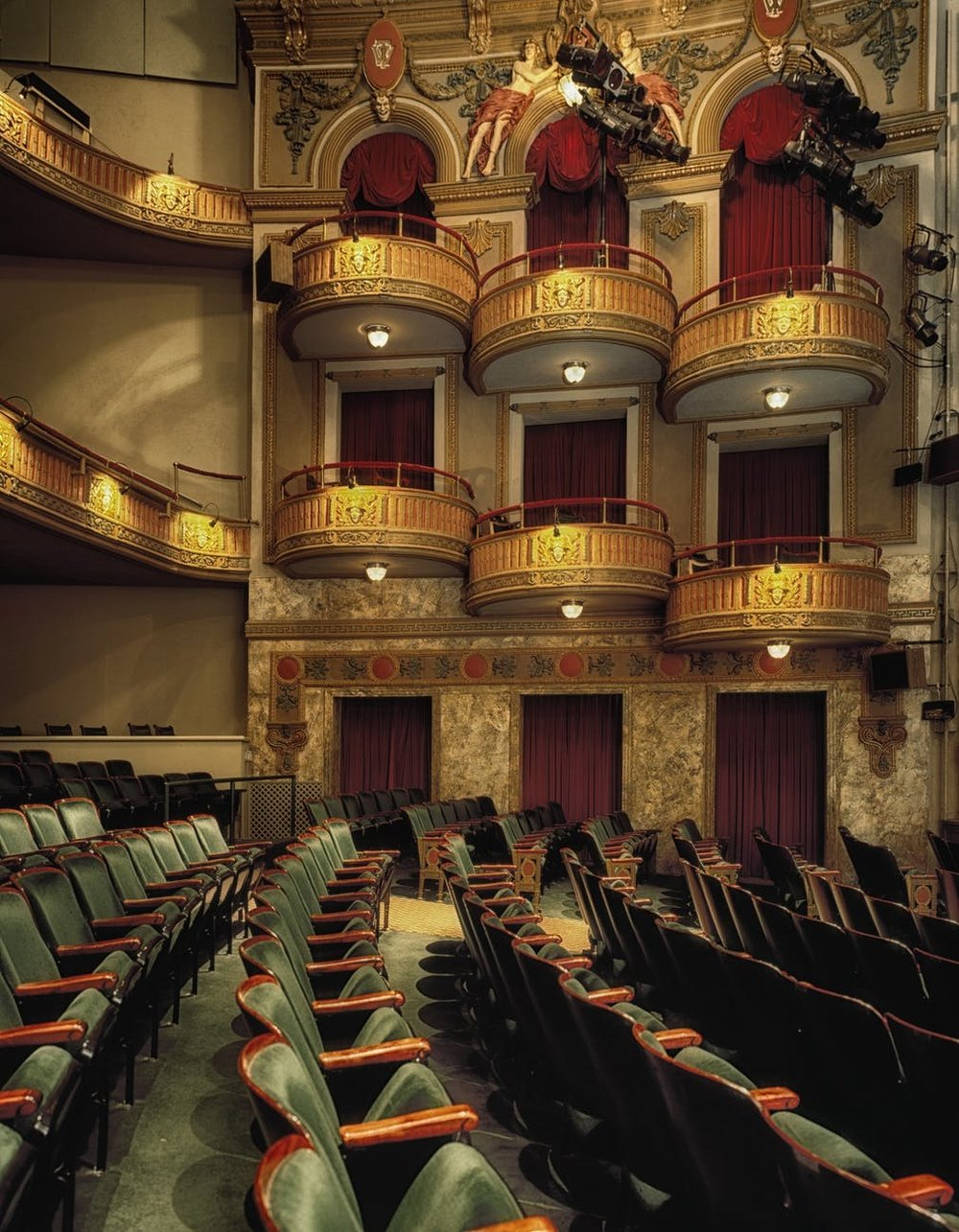 wells-theatre-norfolk-virginian-seats-63328.jpg