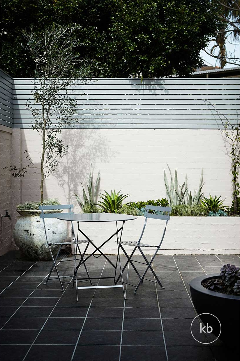 ©-Kate-Bell-Interiors-Spaces-Outside-04.jpg