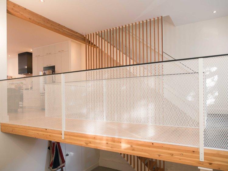 rampe d'escalier sur mesure interior custom railing.jpg