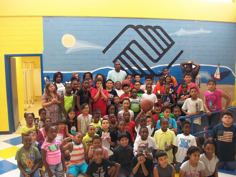 "Eric ""Air Canada"" Crookshank host Free Basketball Camp for Youth at the Boys and Girls Club of Galveston"
