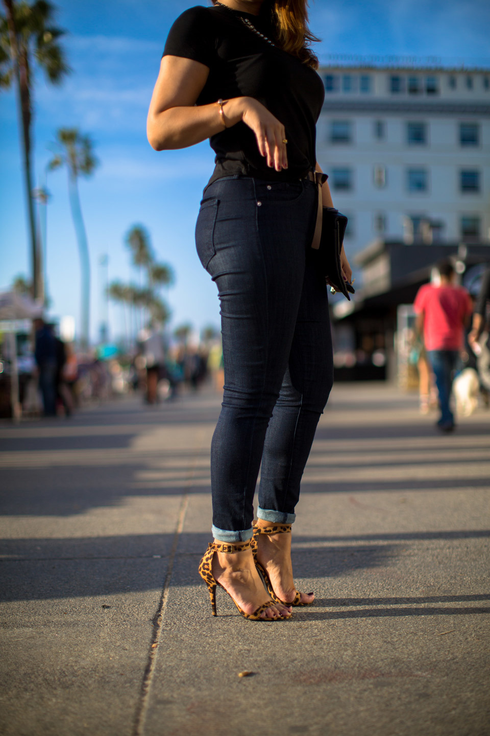 christina-topacio-fashion-blogger-los-angeles-sabrina-noel-hill-photographer-venice-beach-10.jpg
