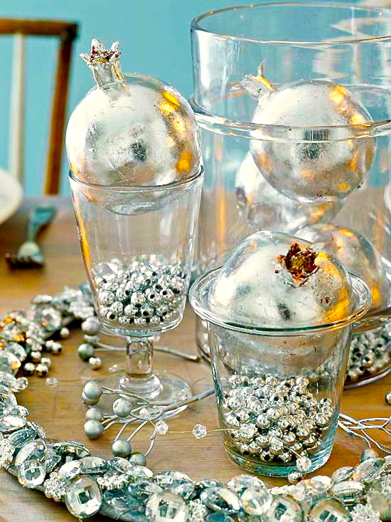Simple-Christmas-Centerpieces-2012-ideas-6.jpg