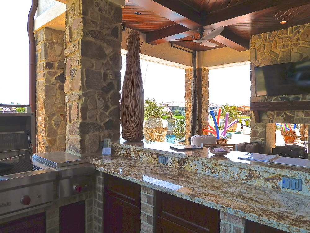 Outdoor Kitchen Table/Bar