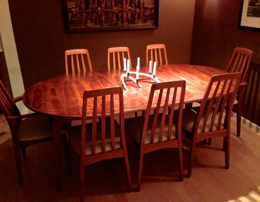 Dining-set_2.jpg