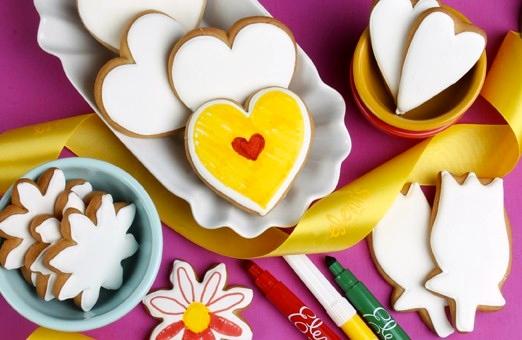 Color Me Hearts & Flowers Cookie Set
