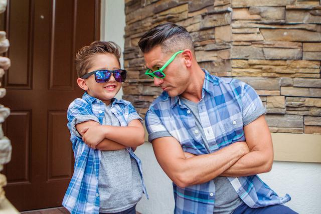 Jorge-Bernal-and-his-son-dressed-alike.jpg