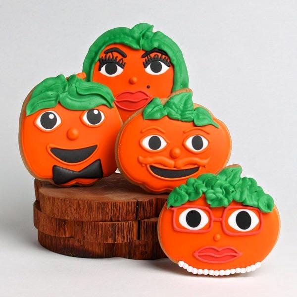 dressed-up-pumpkins_styled_1.jpg