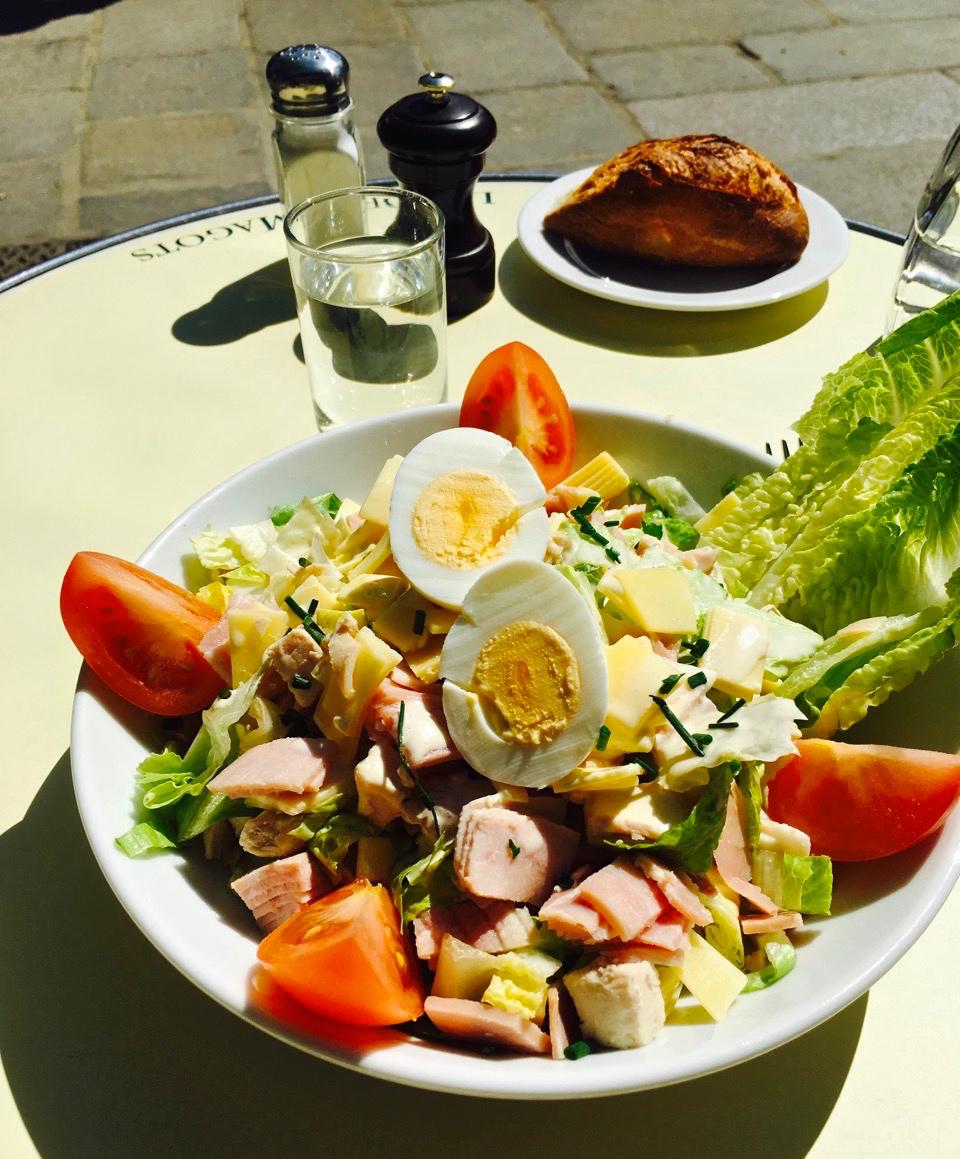 Salade Deux Magots (photo by Lisa Michaux)
